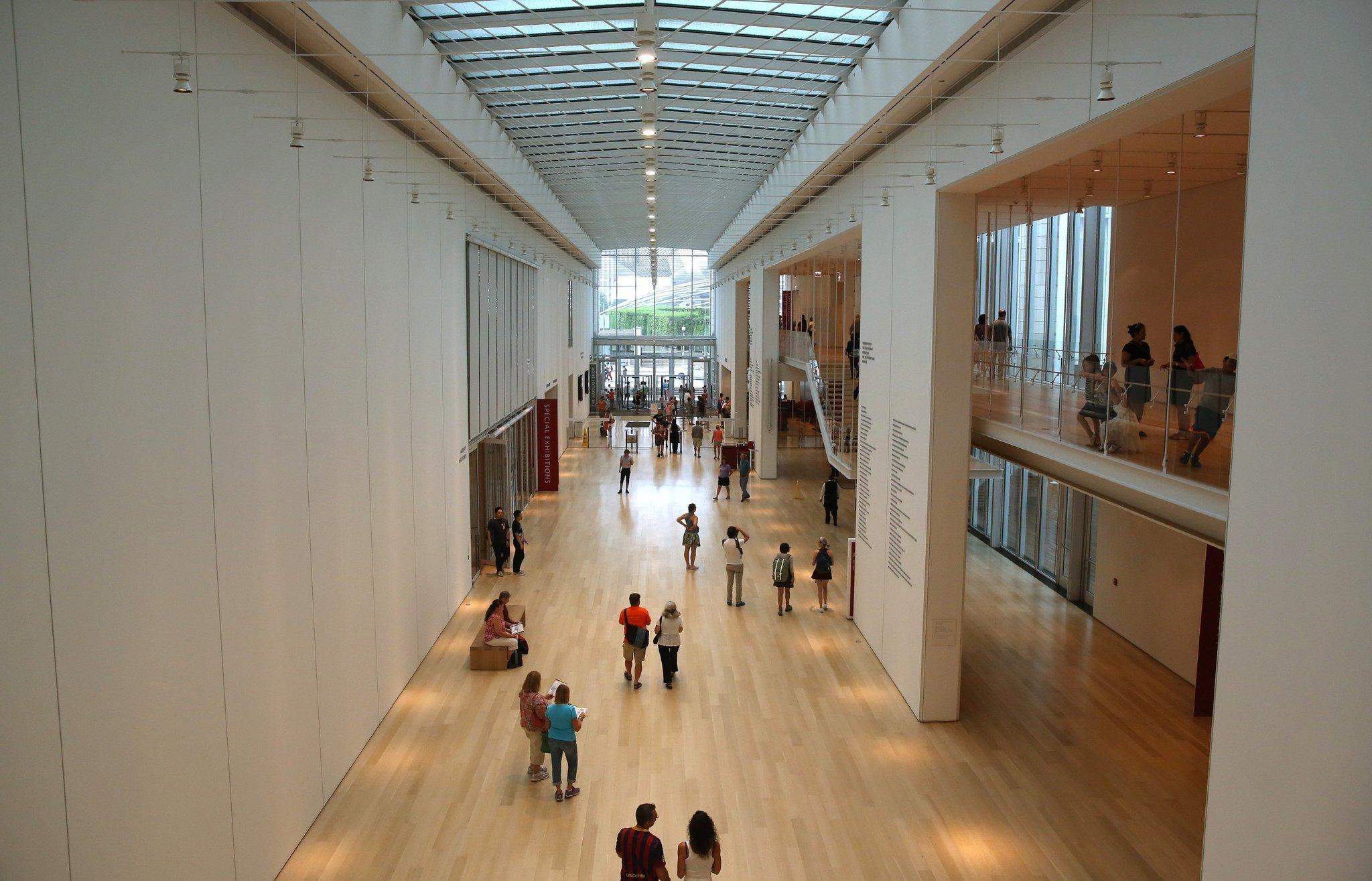 art institute modern wing galleries closing temporarily chicago