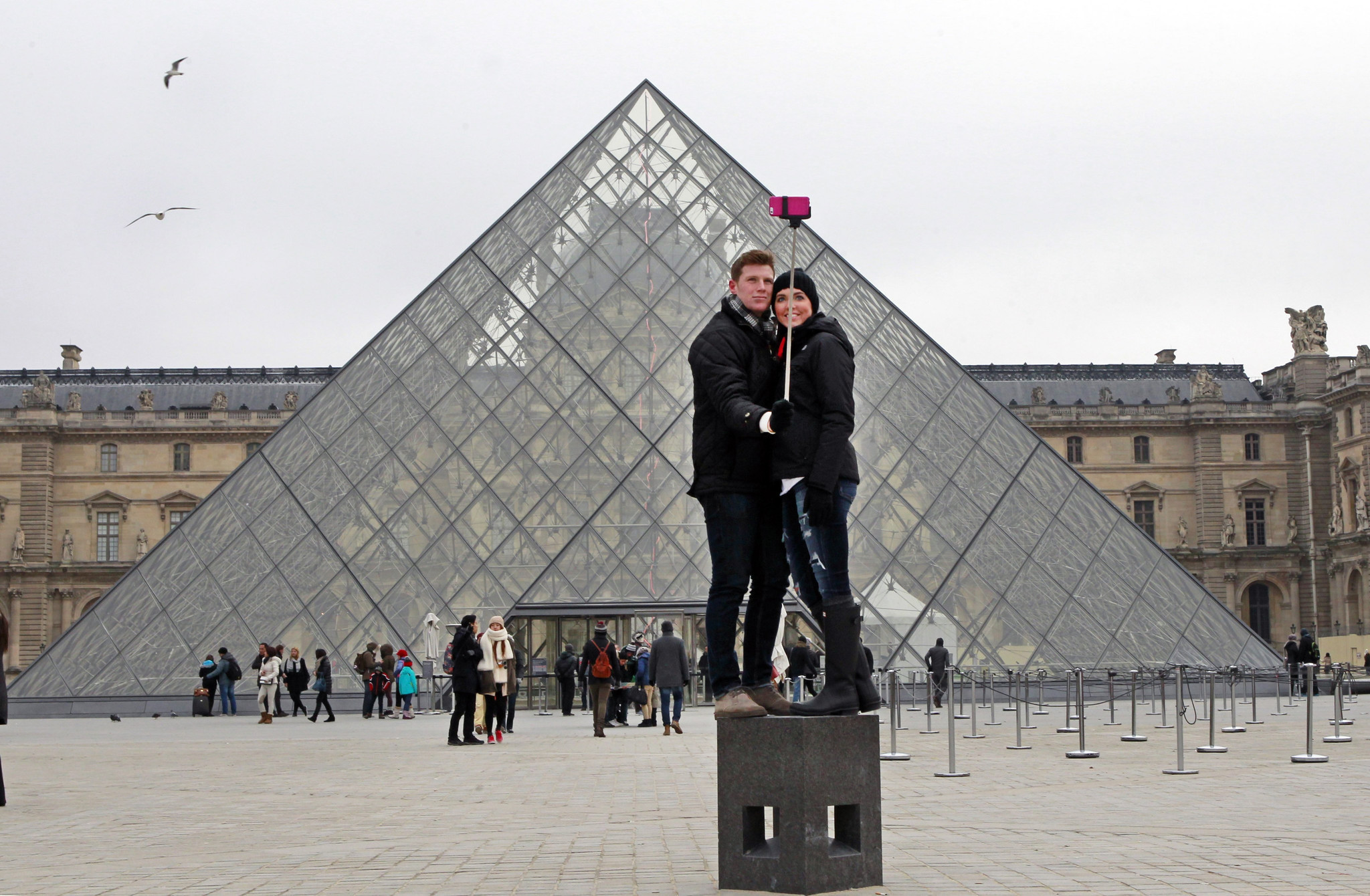 Selfie Stick Bans Go Into Effect At Art Institute