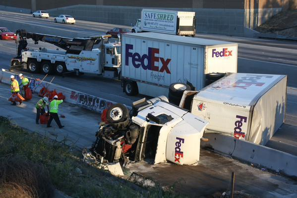 Fedex Truck Swerves To Avoid Two Crashes Topples On 5