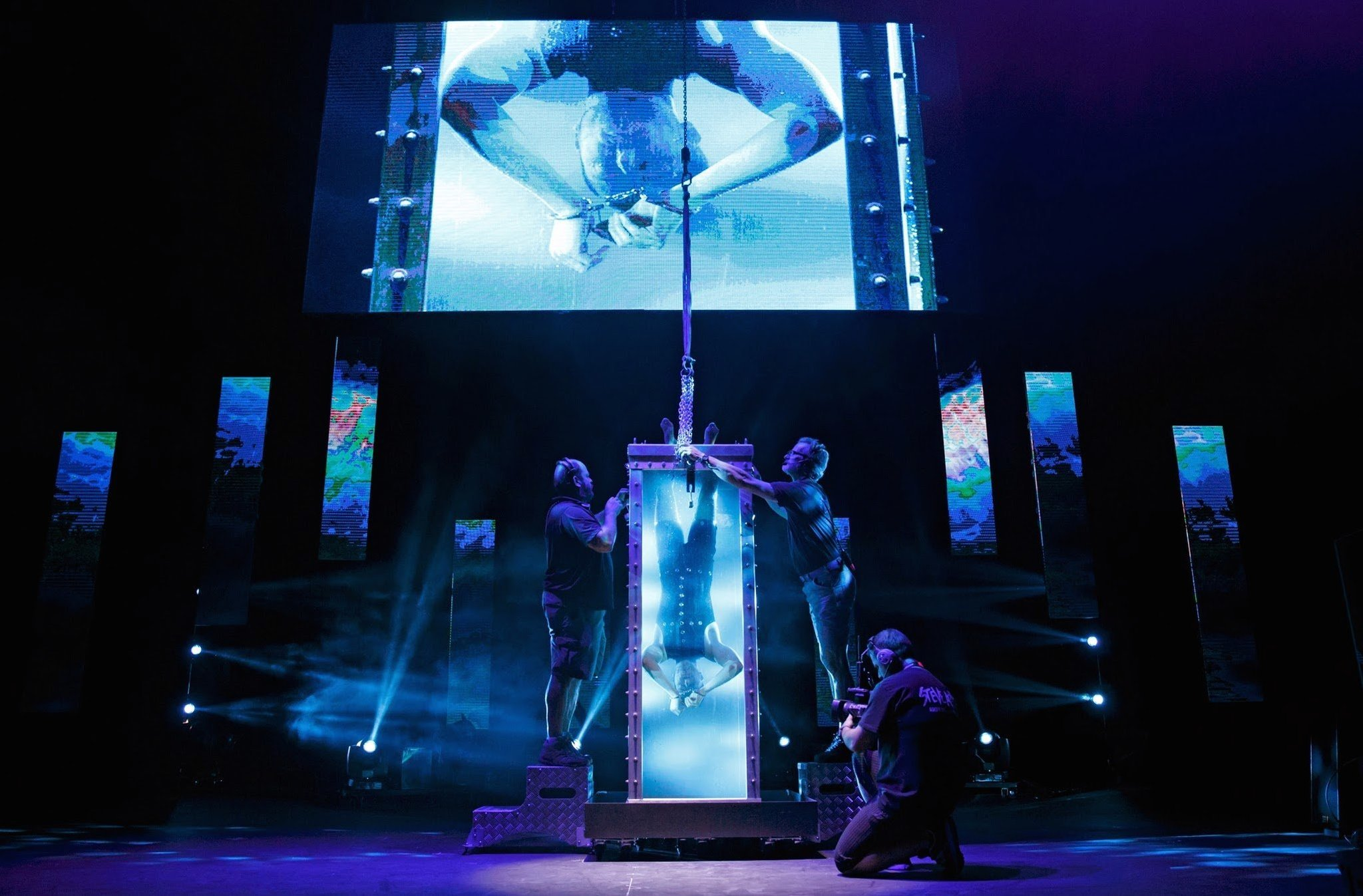 REVIEW: The Illusionists Witness the Impossible at the Cadillac Palace Theatre - Chicago Tribune
