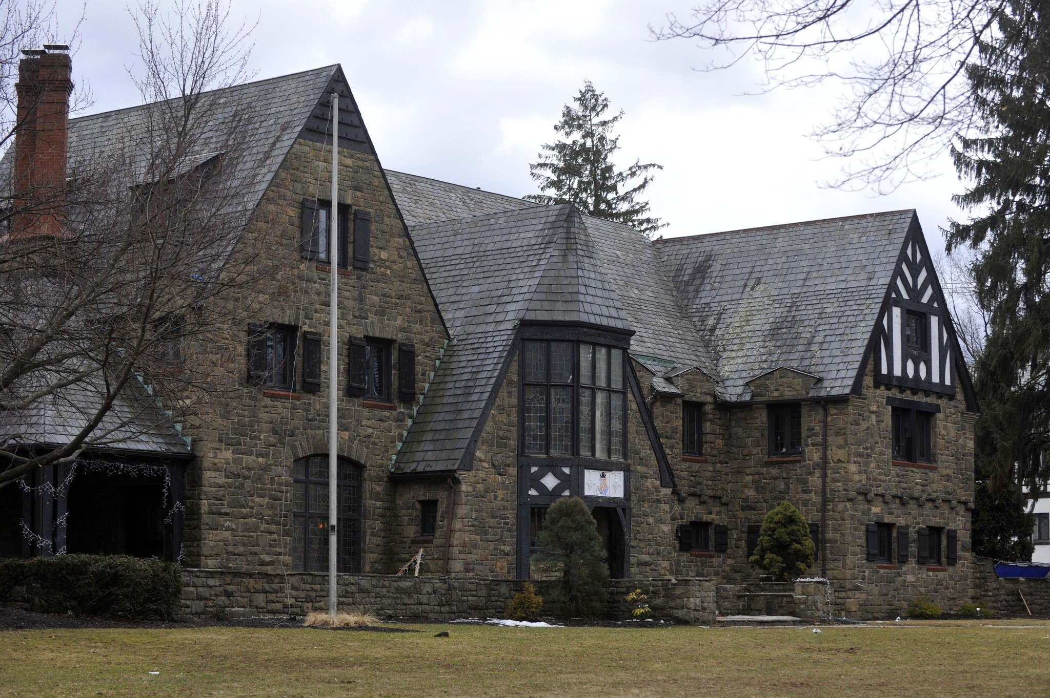 Naked Women Facebook Page Leads To Penn State Fraternity Suspension - The Morning Call-4097