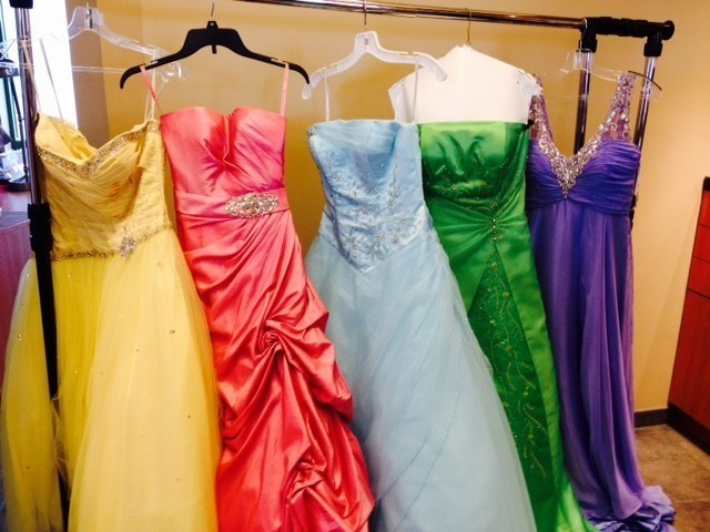 6941a746d5 FREE PROM DRESSES FOR THOSE IN NEED! - Aurora Beacon-News
