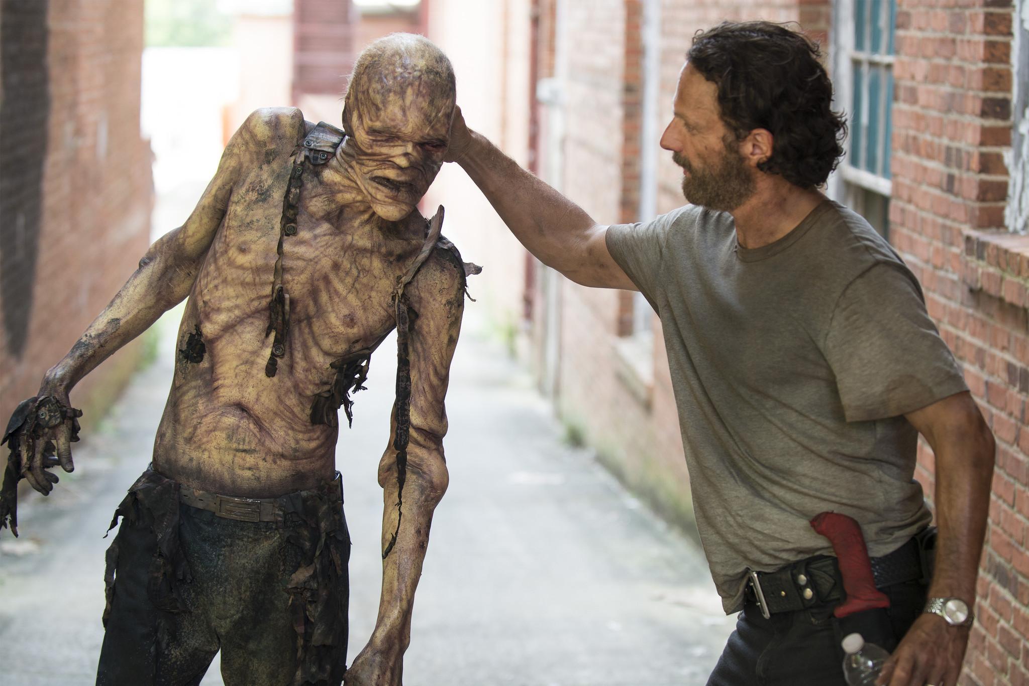 'Walking Dead' Season 5 closer