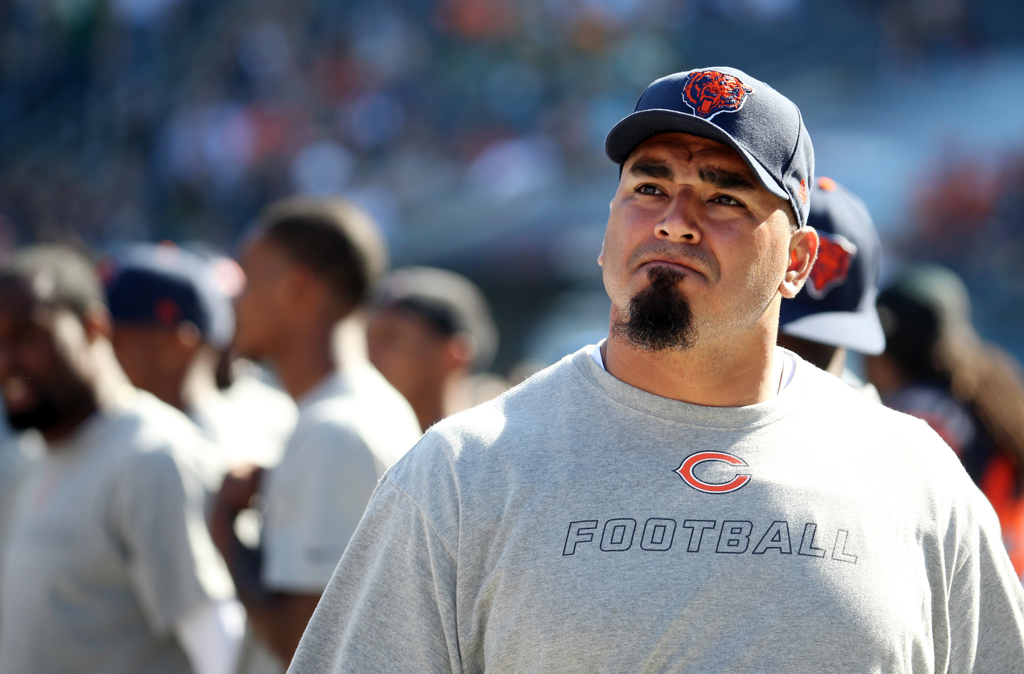Bears Release Veteran Center Roberto Garza Chicago Tribune
