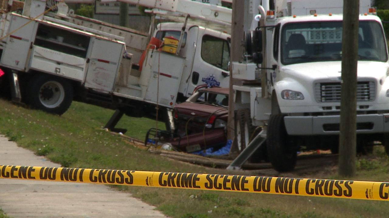 Lake County crash kills 3 utility workers - Orlando Sentinel