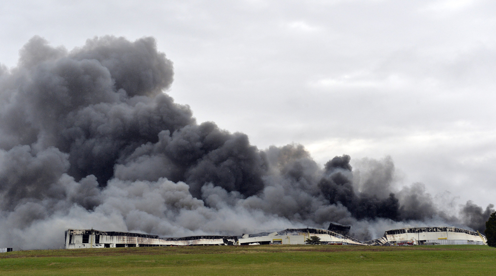 Ford Louisville Ky >> Massive fire breaks out at GE's Appliance Park in Kentucky - Chicago Tribune