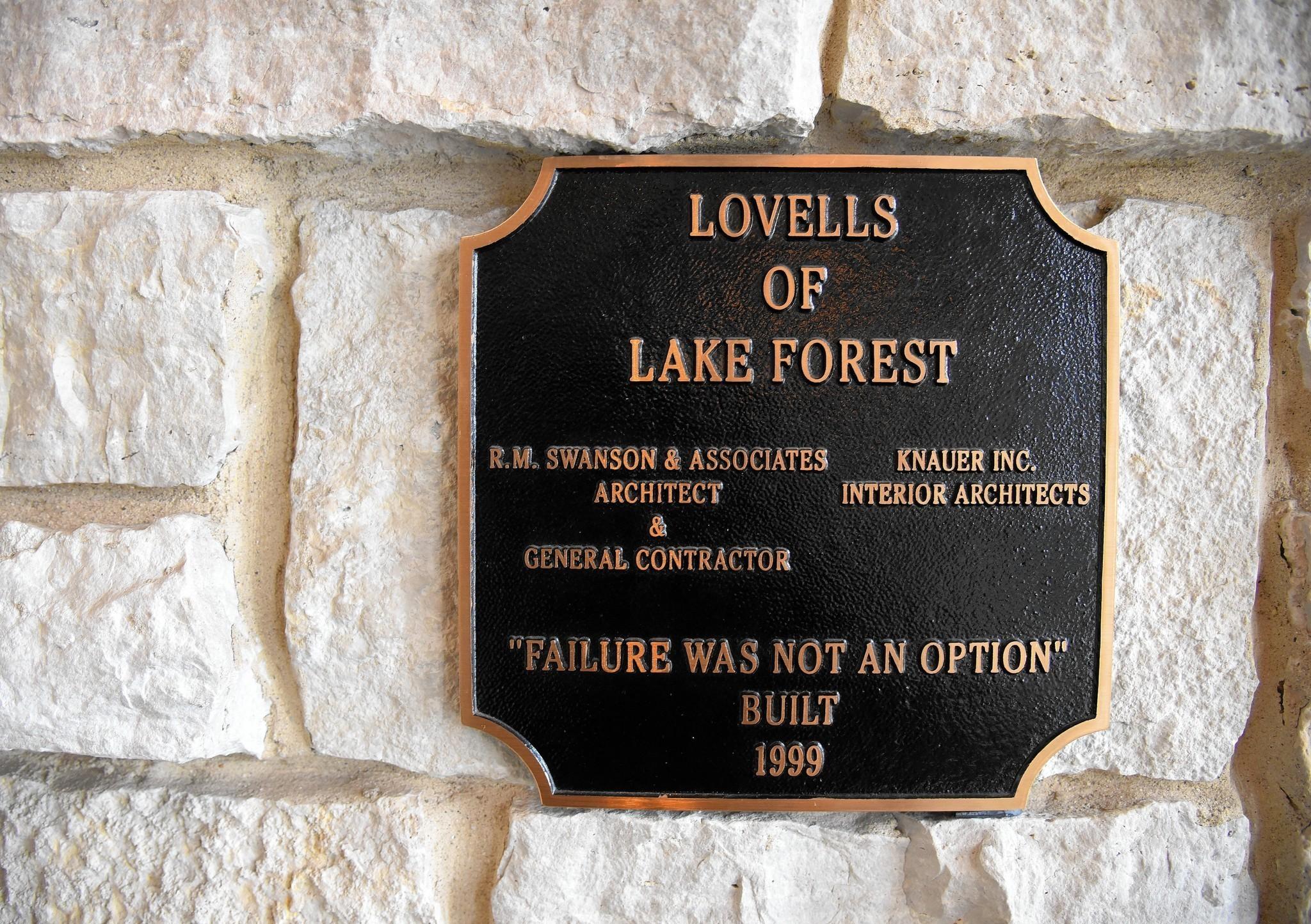Lovells Of Lake Forest Restaurant