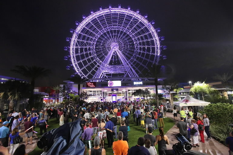 orlando eye lights up the night sky