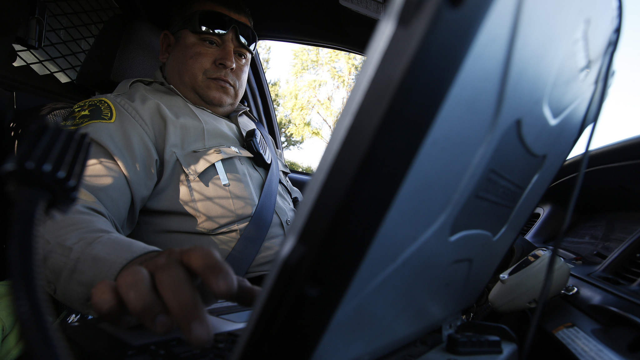 California Front Seat Law >> L.A. County Sheriff's Dept. restricts deputies' use of in-car devices - LA Times