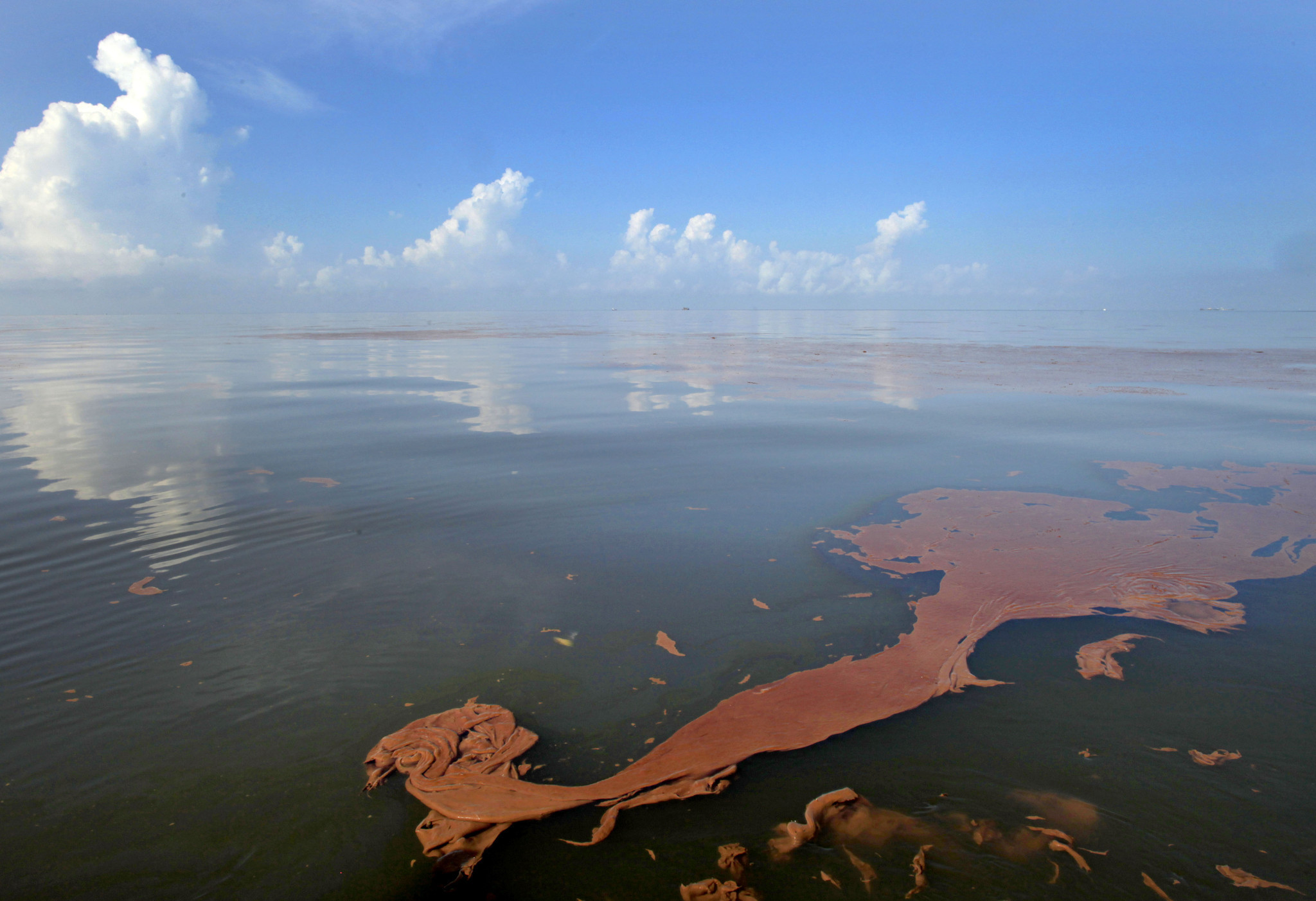 5 Years After Bp Spill Drillers Push Into Riskier Depths