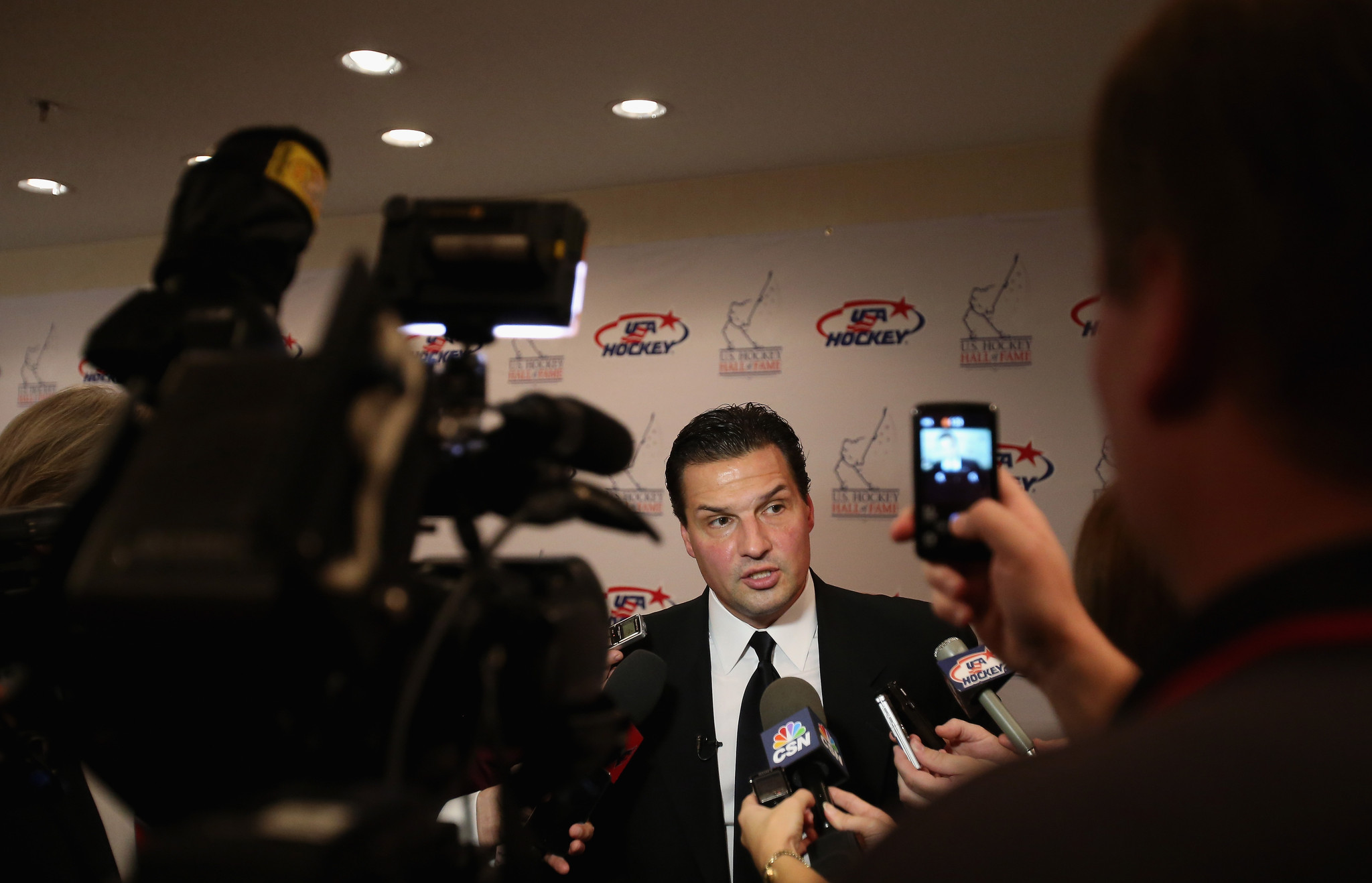 Eddie Olczyk Mixing Hockey Horse Racing Duties Chicago