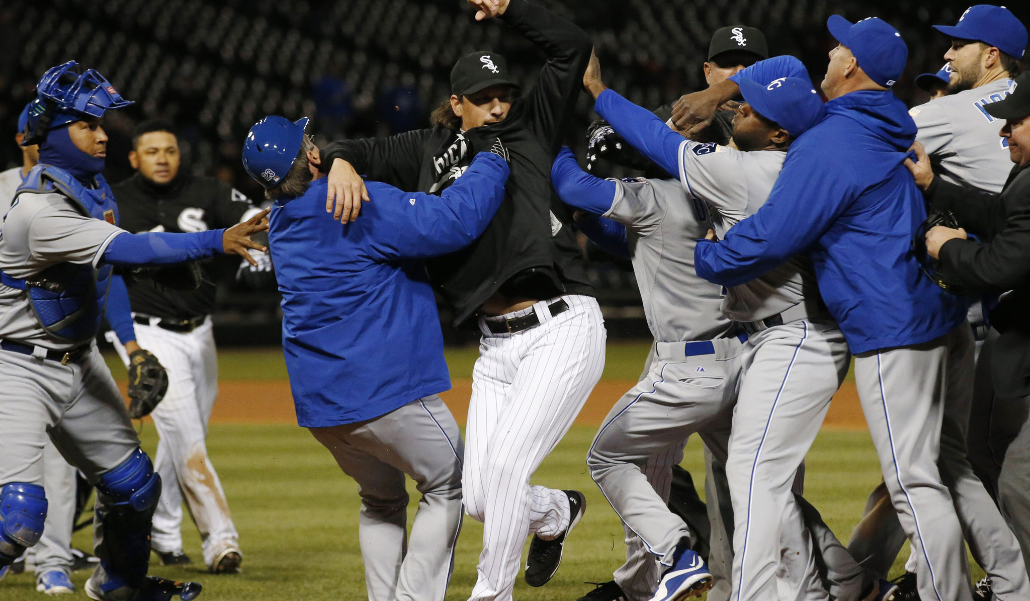 Incredible Royals White Sox Get Into Benches Clearing Brawl Sun Sentinel Onthecornerstone Fun Painted Chair Ideas Images Onthecornerstoneorg