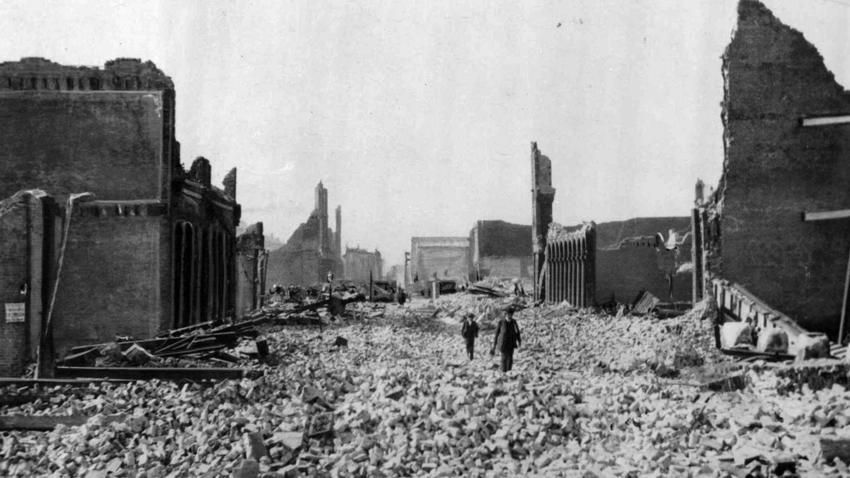 One of the worst natural disasters in U.S. history, the 1906 San Francisco earthquake and subsequent fires killed more than 3,000 people and left the city in ruins.