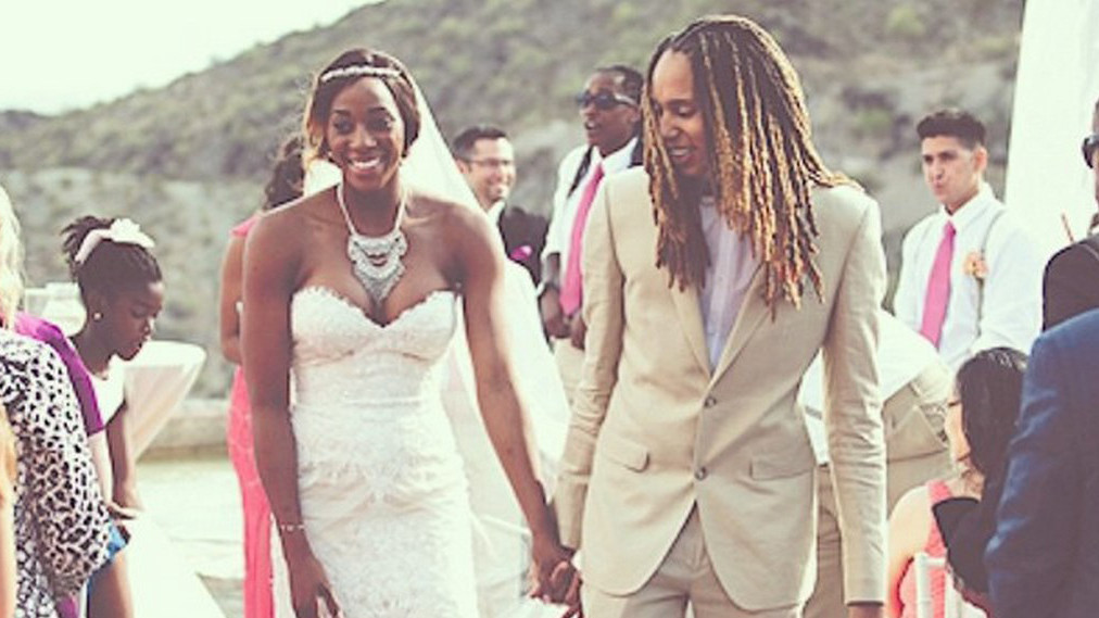 Diana Taurasi Wedding.Brittney Griner Glory Johnson Wed Weeks After Assault