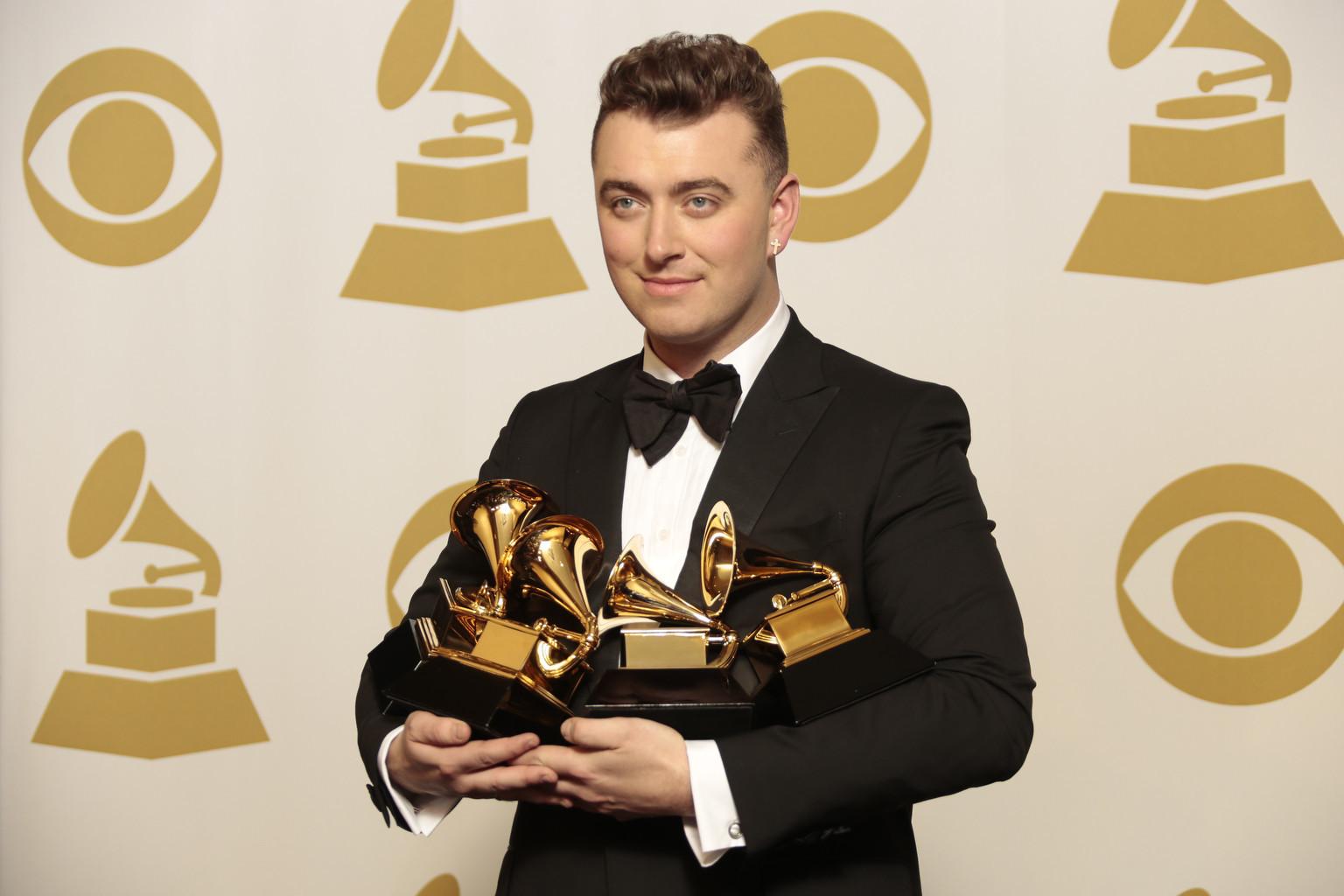 Grammy Awards: Grammy Awards Move To Monday Night For 2016