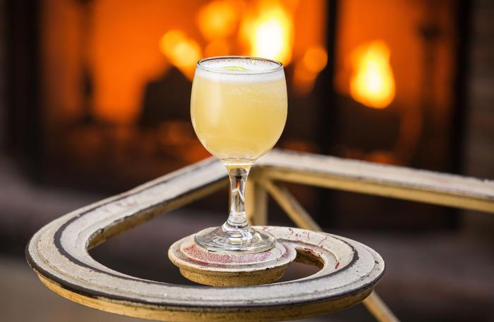 Black Hookup White Lady Cocktail Ingredients