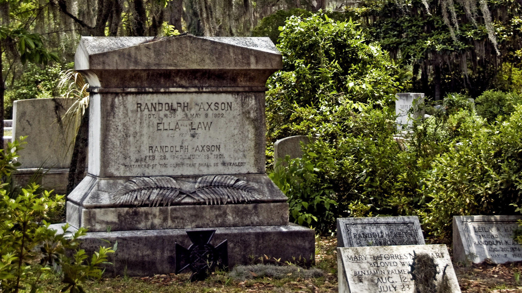 10 Cemeteries You Ll Never Regret Visiting Los Angeles Times