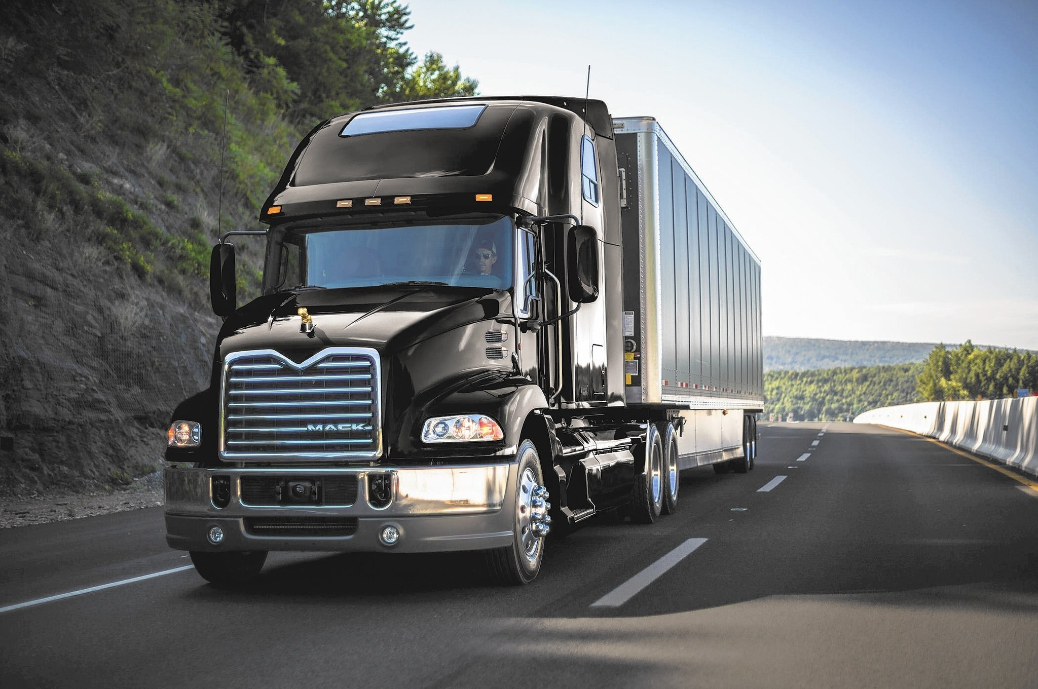 Mack Trucks Deliveries Increase 14 Percent