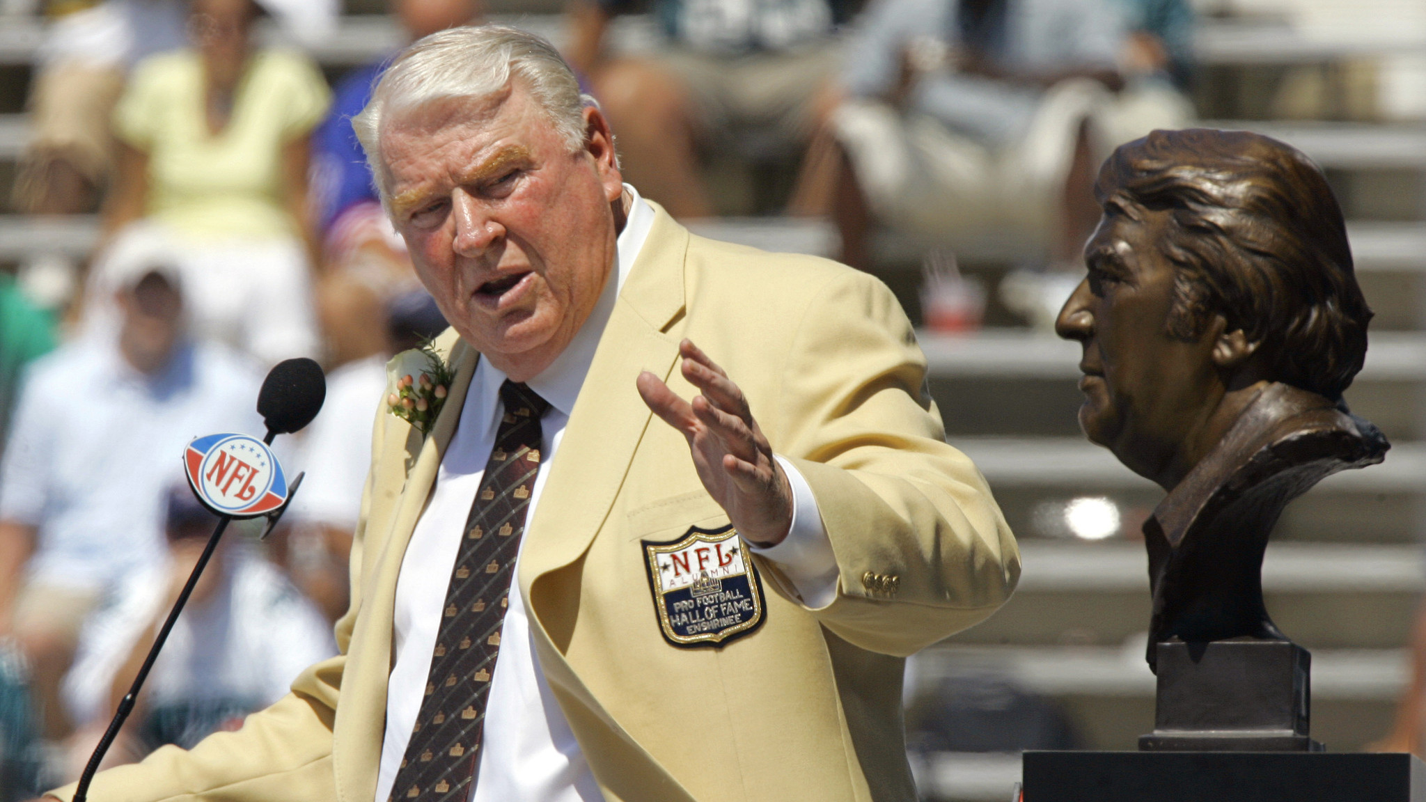 did john madden play in the nfl