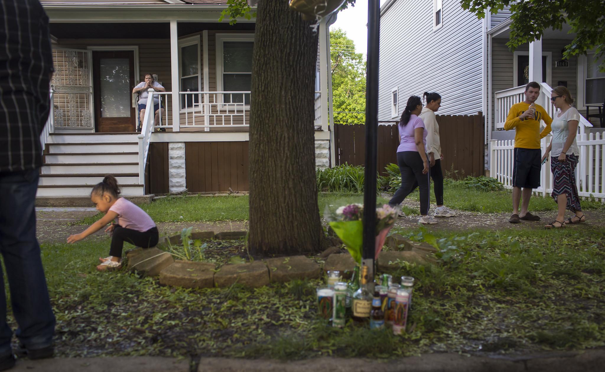 br>Living around gun violence - Chicago Tribune