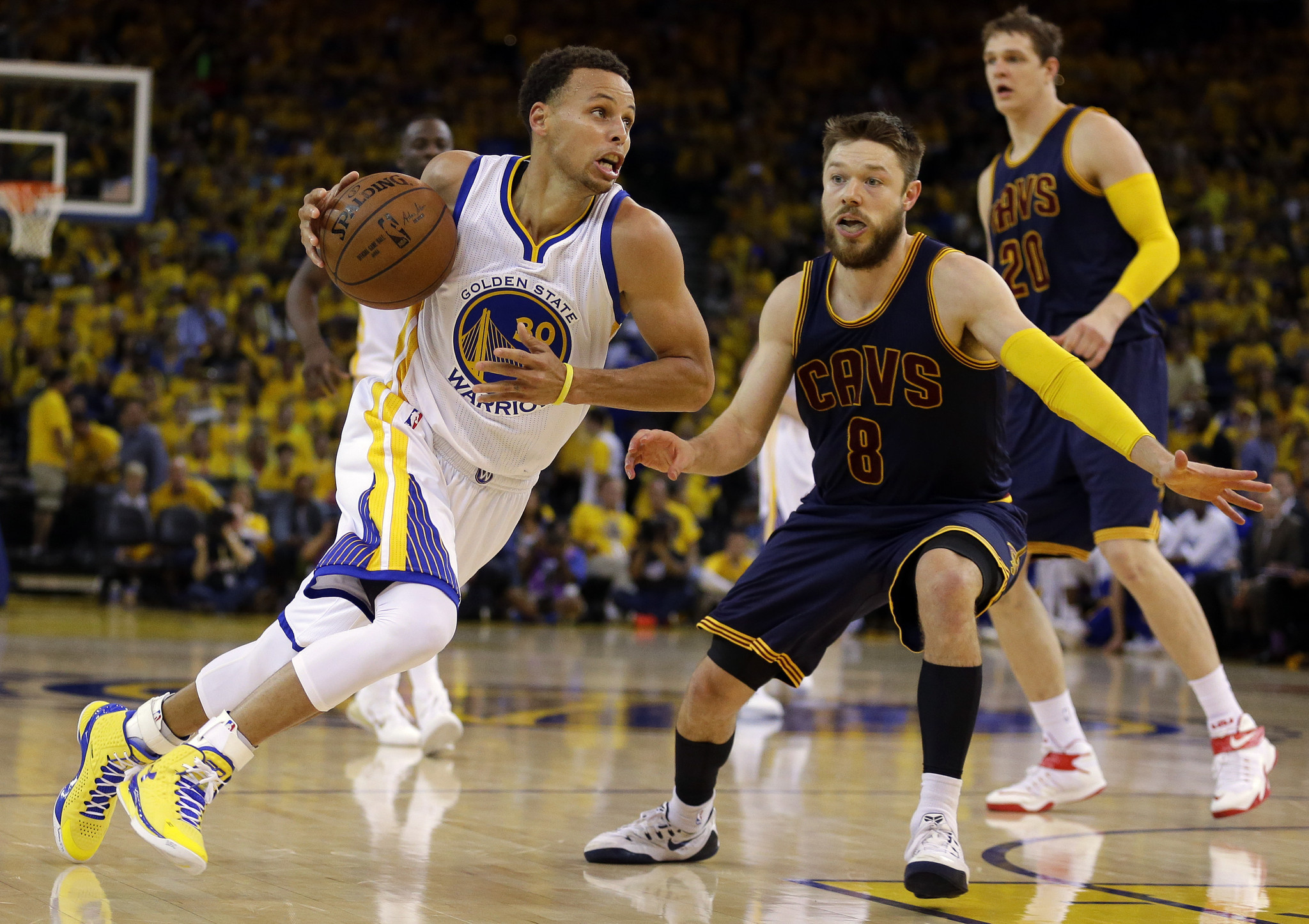 Curry s Shot Goes Missing For Warriors In Game 2 Loss - Hartford Courant b0eb2f983