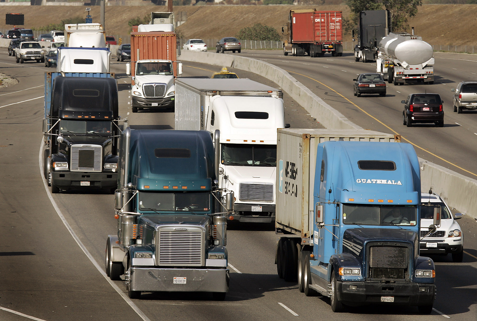 How Much Is Drivers Ed >> Why paying truckers by the mile is unfair and dangerous - LA Times