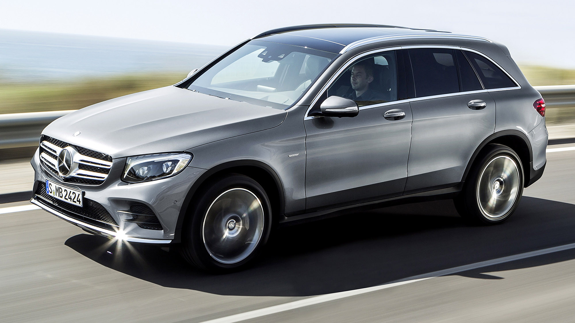 mercedes debuts new glc luxury suv la times. Black Bedroom Furniture Sets. Home Design Ideas