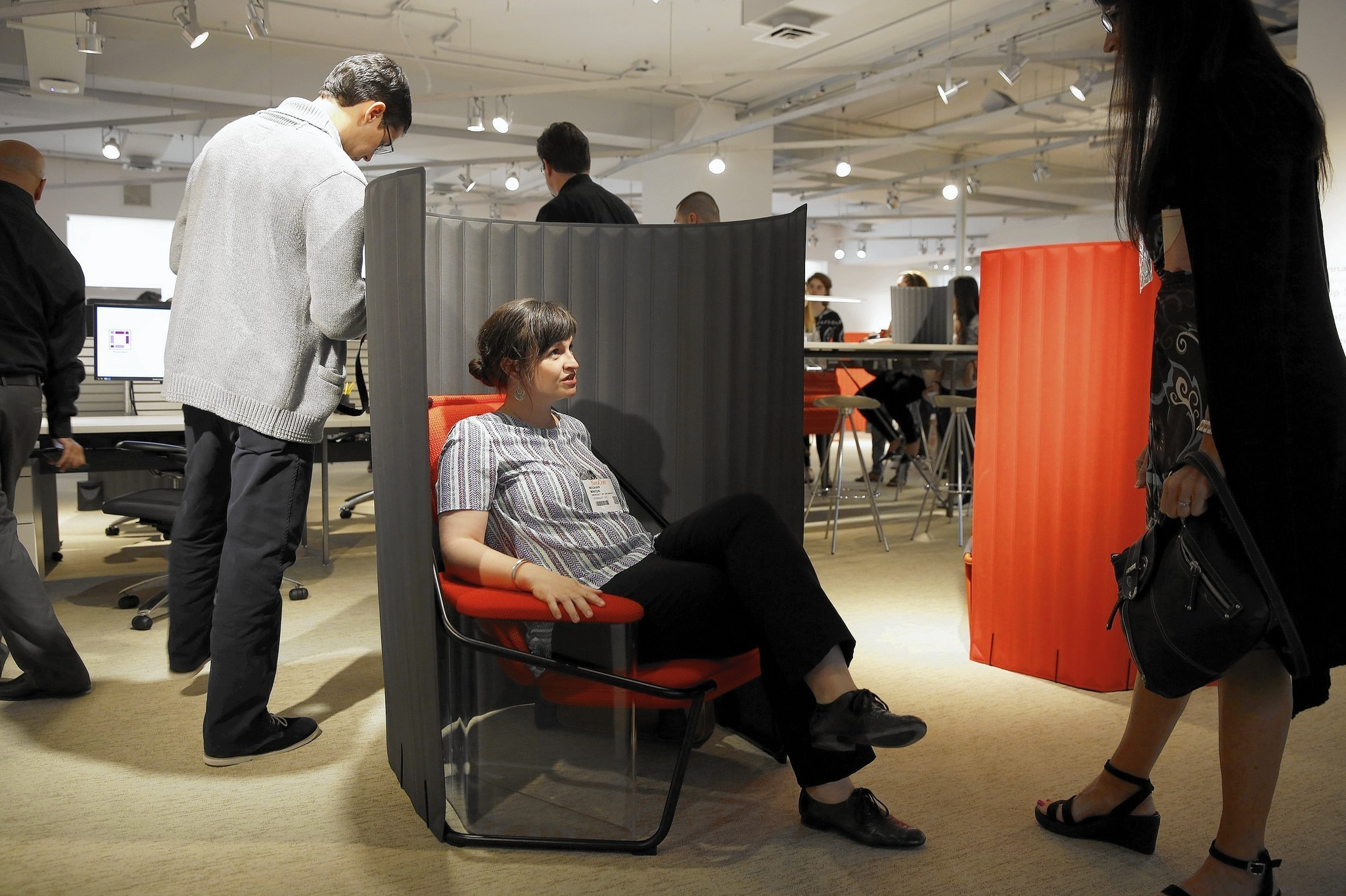 Office Furniture Design Small Spaces