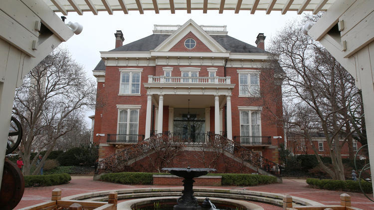 Illinois Governor S Mansion In Dire Need Of New Roof