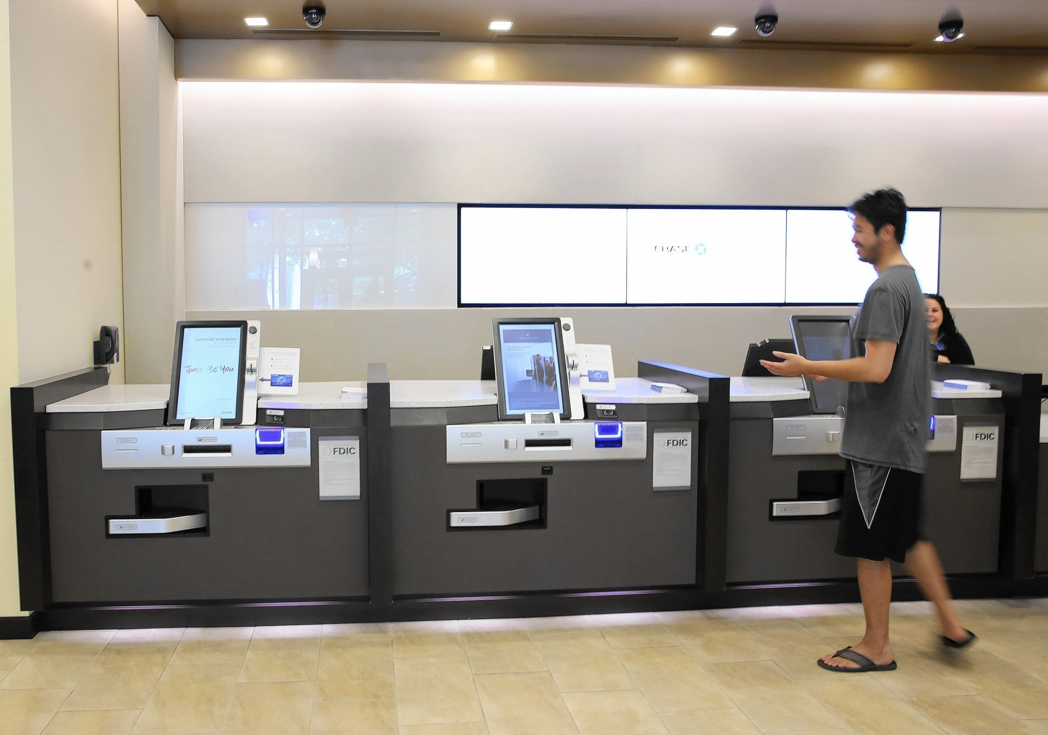 Technology Helps Banks Meet Consumers Online Orlando
