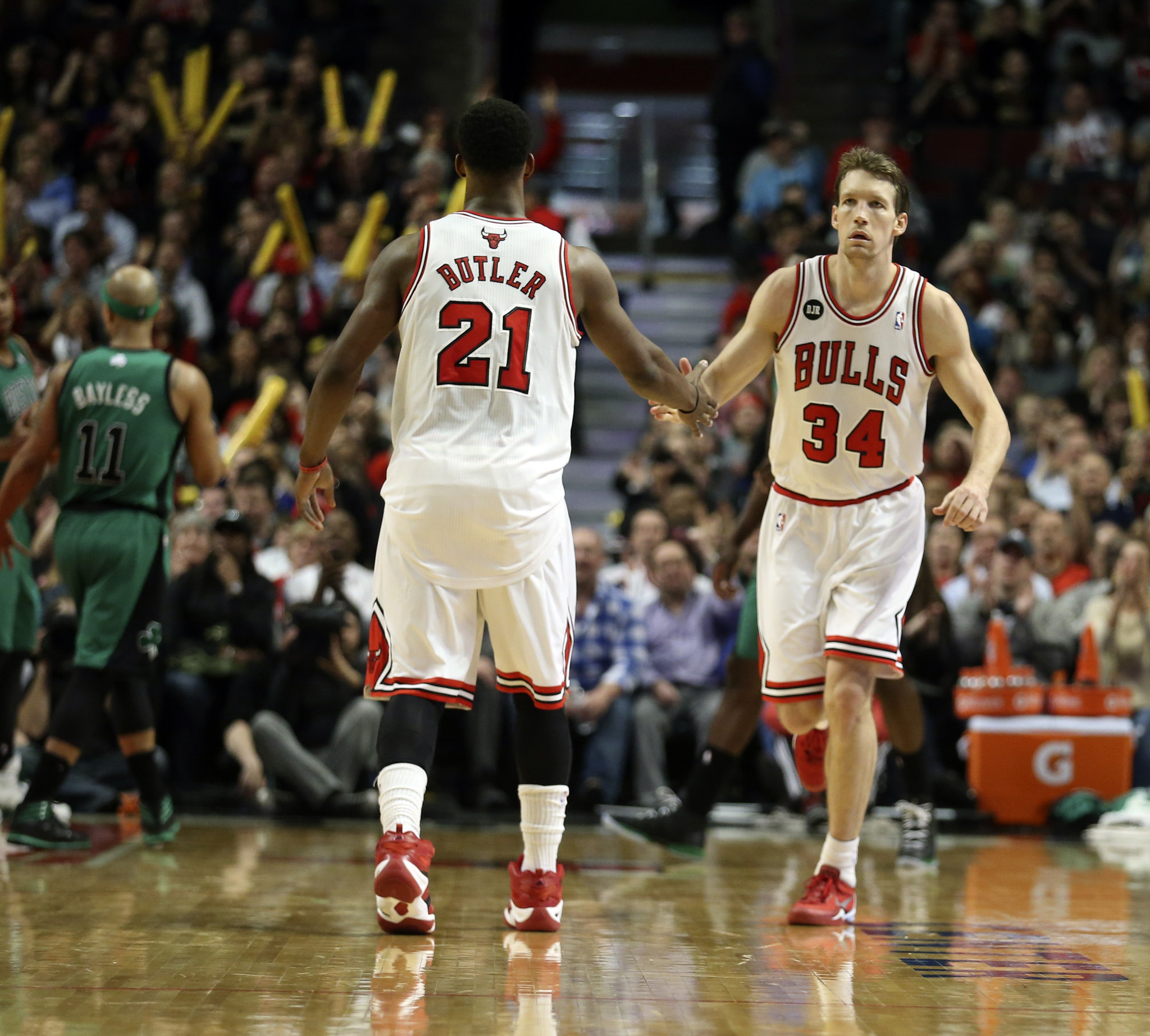 Bulls strike fast in free agency, re-sign Jimmy Butler, Mike