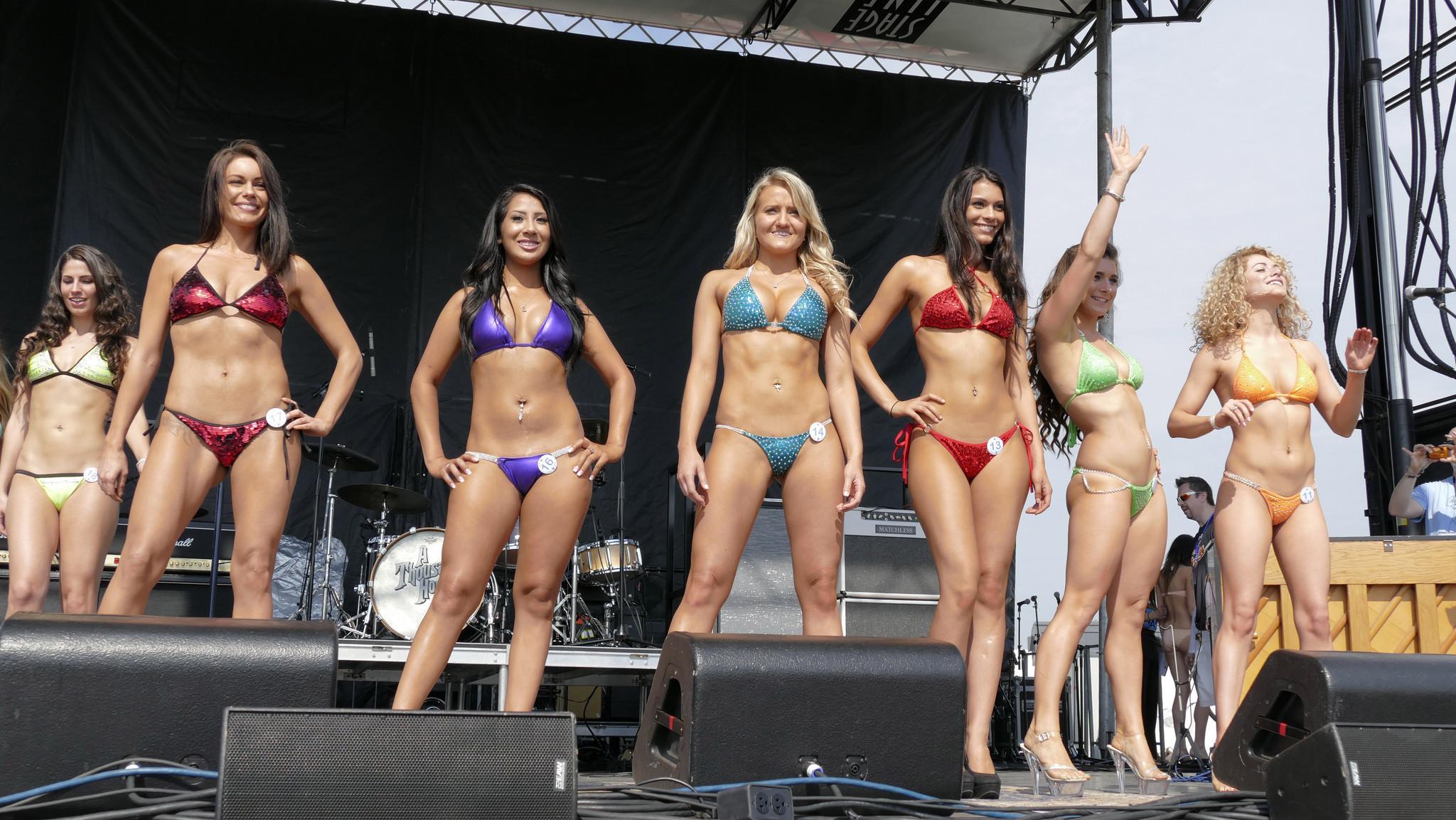 Фото и видео латинских конкурсов бикини, красивые девчонки голышом фотки