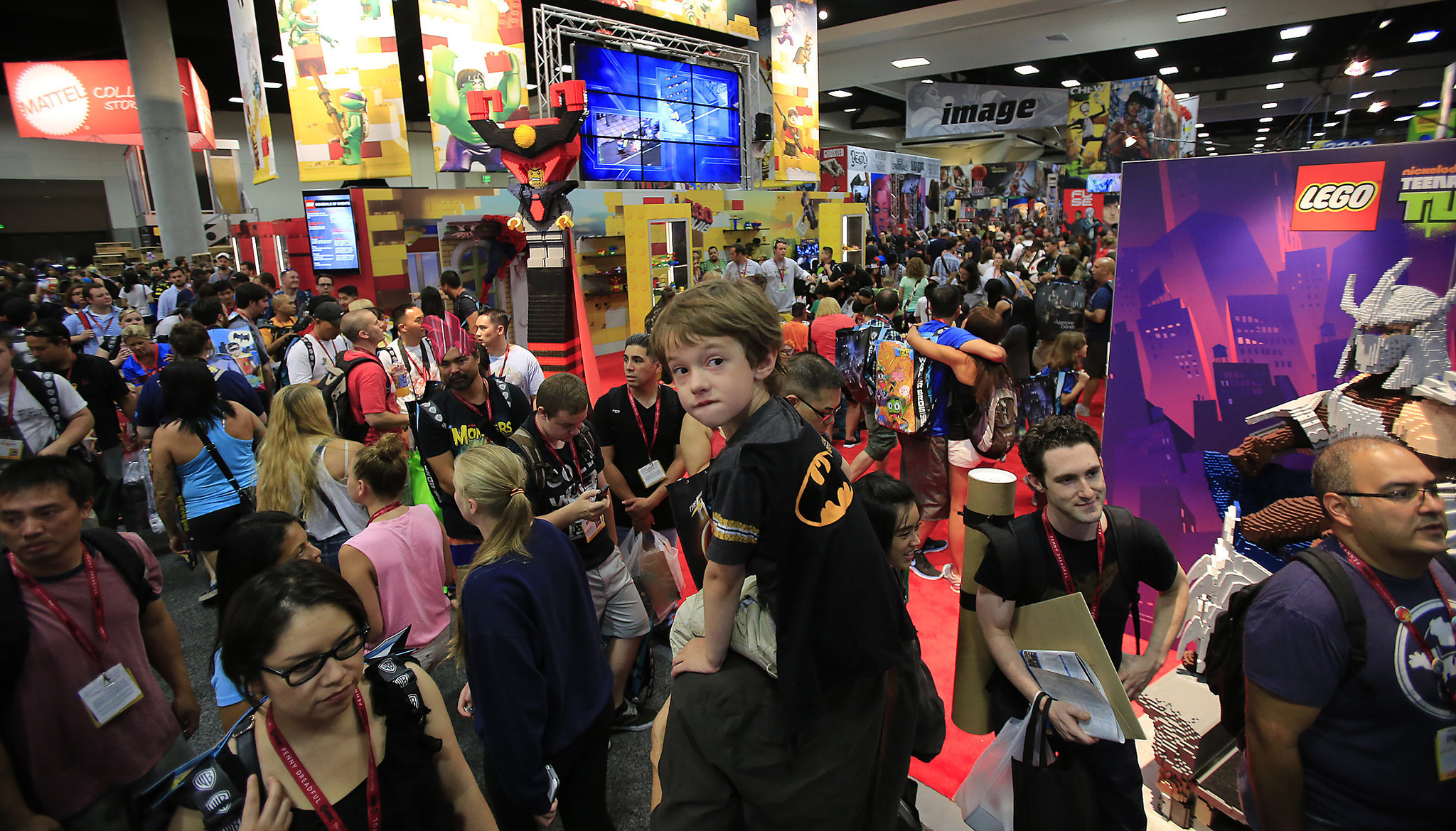 Comic Con Will Stay In San Diego Until 2018 La Times
