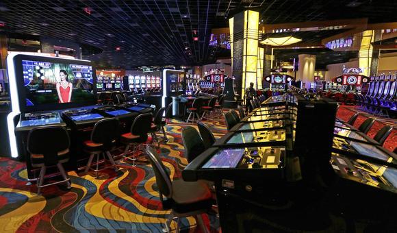 Plainville ma casino opening date - Texas holdem 3d poker