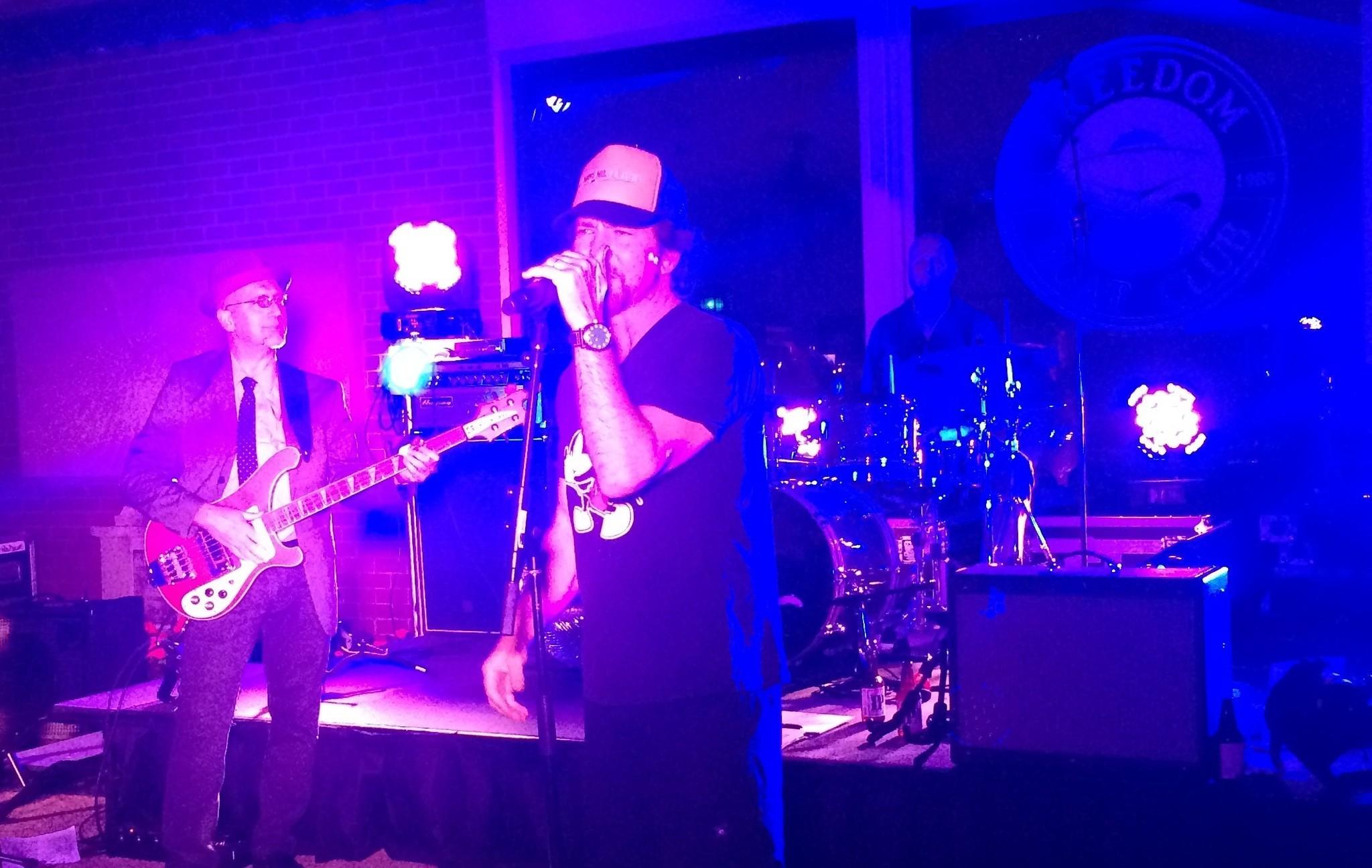 Eddie Vedder Sings Happy Birthday To His Brothers At