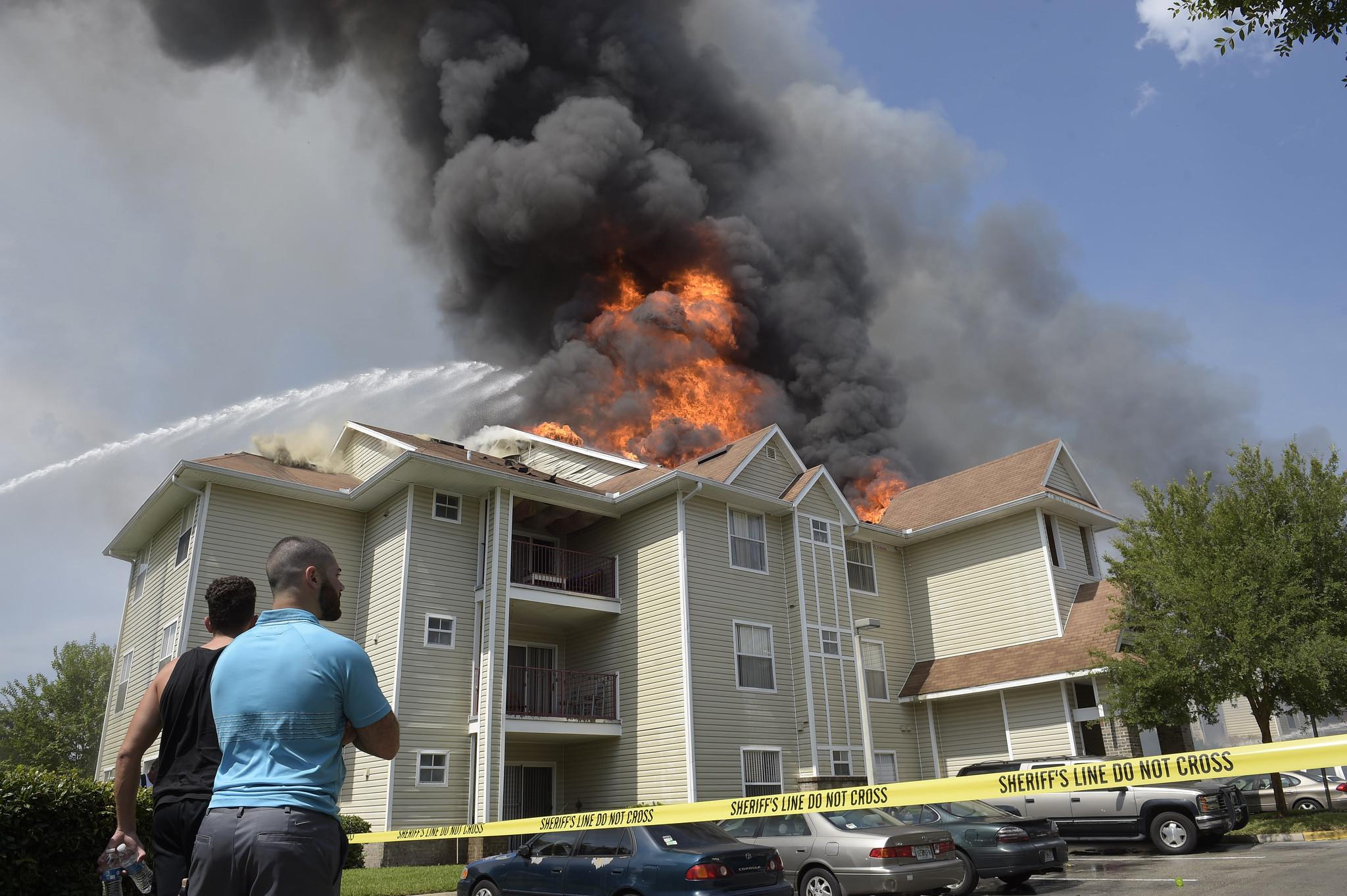 Apartment complex fire near UCF - Orlando Sentinel