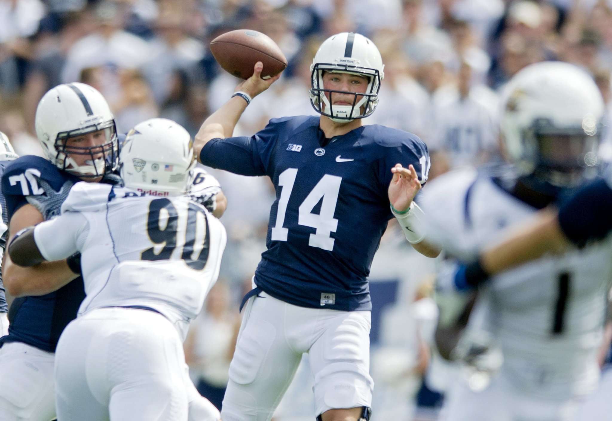 Throwbacks  Penn State ditching player names on football jerseys - Chicago  Tribune 58f58128accc