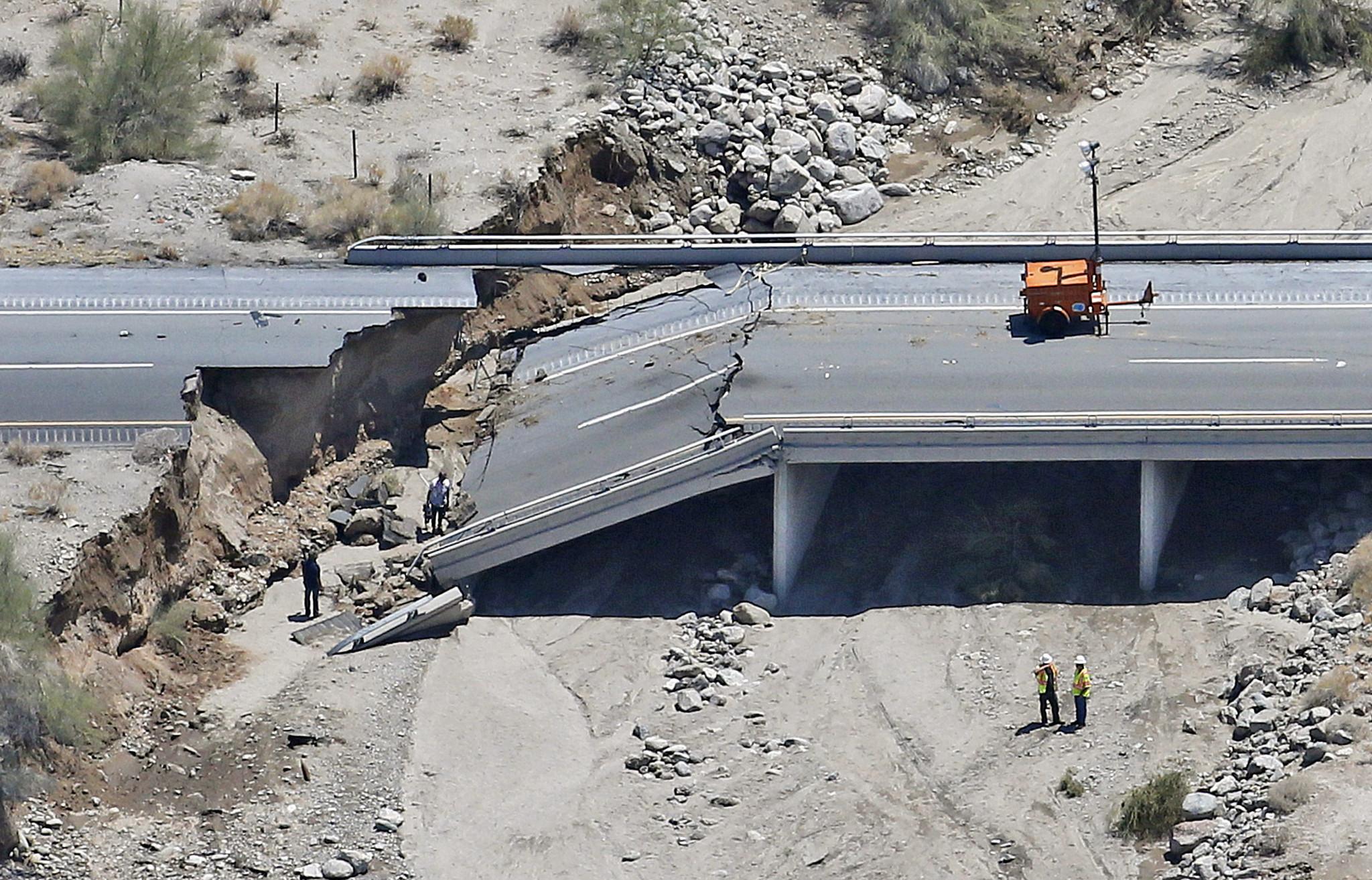 I 10 Bridge Collapse Delays Truckers La Times