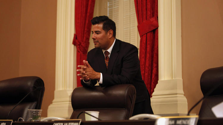 State Sen. Ricardo Lara wants to provide financial help for immigrants seeking to be medical workers. (Katie Falkenberg / Los Angeles Times)