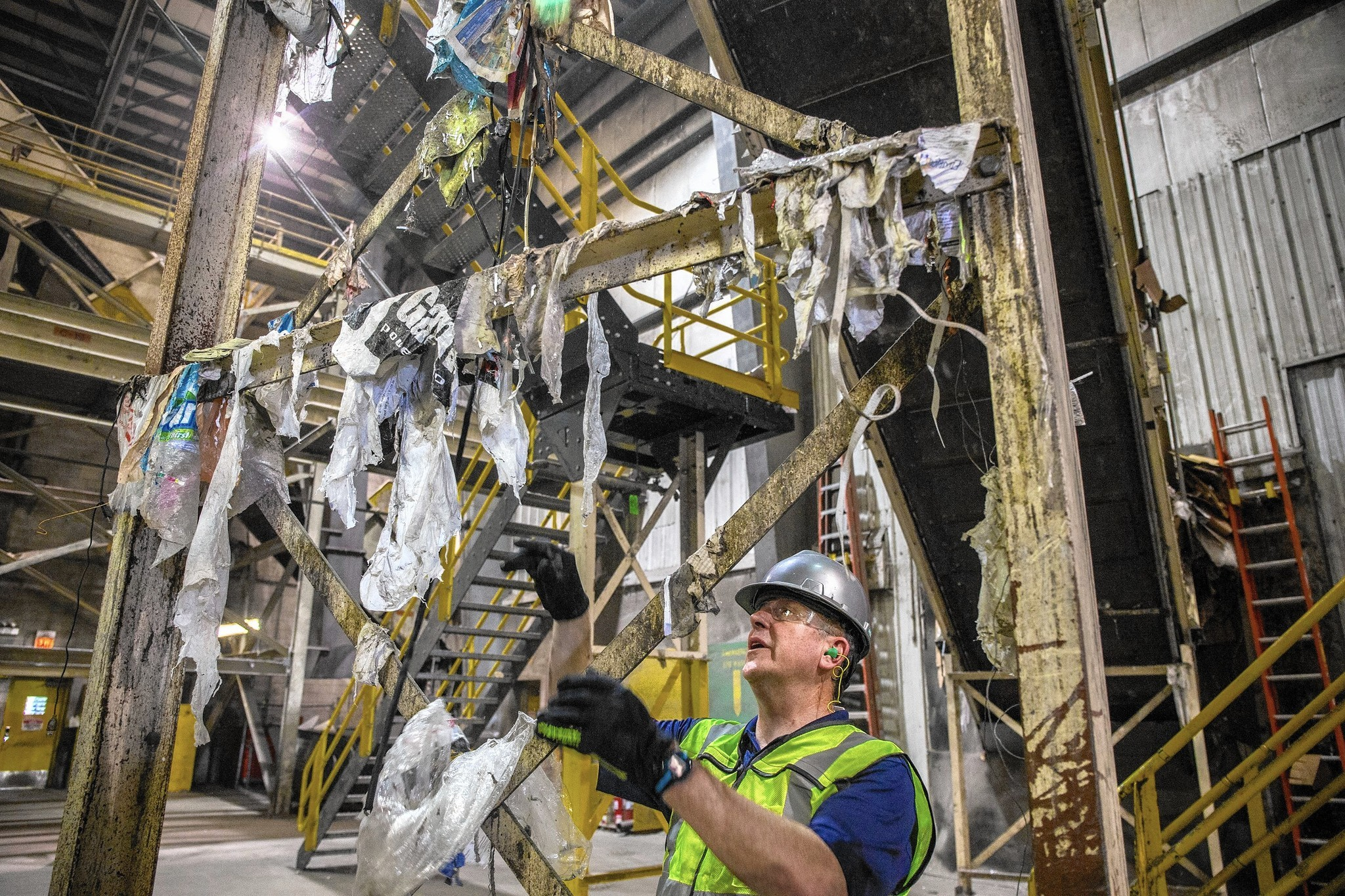 Plastic Bags A Headache For Recyclers Chicago Tribune