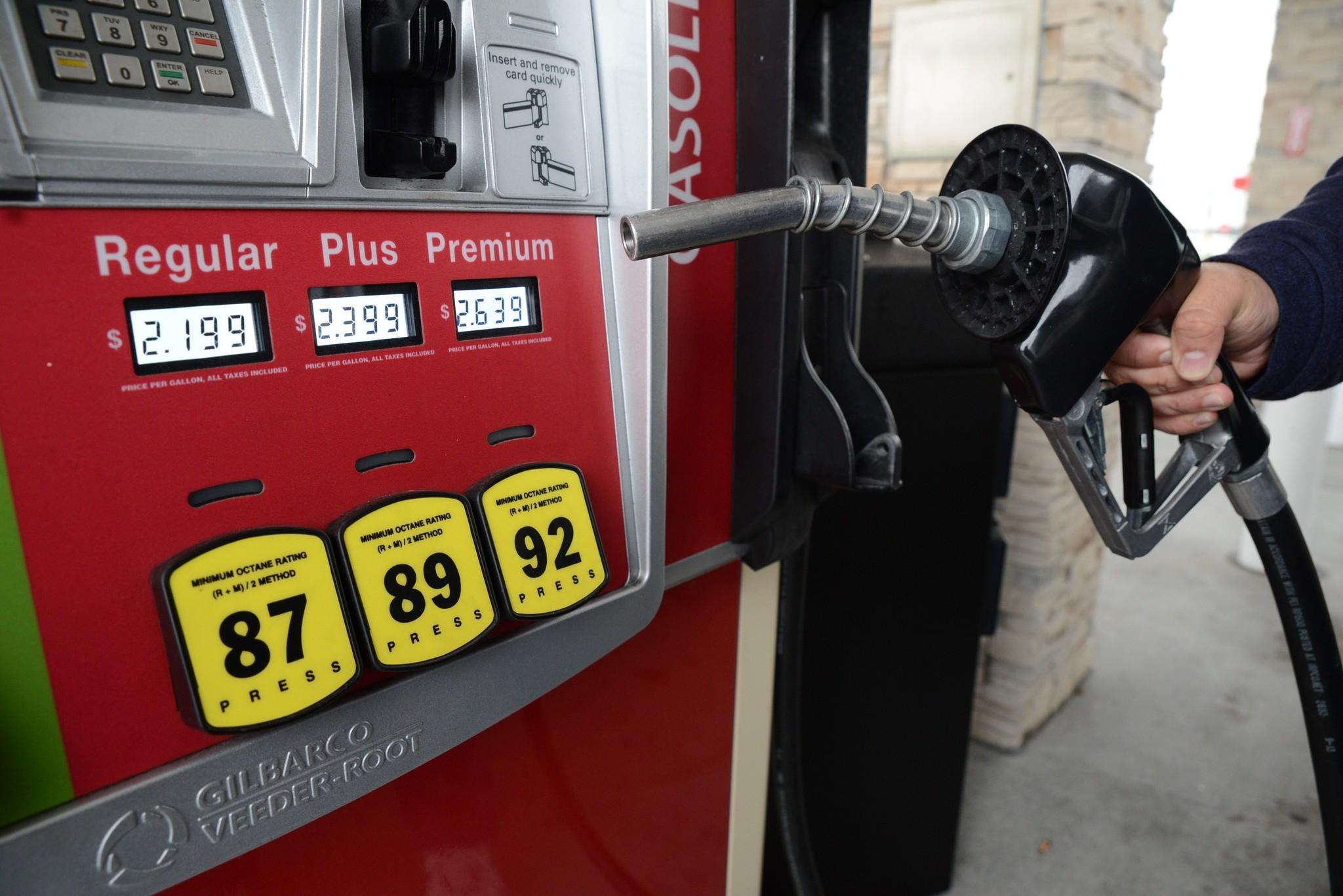 Gas Prices In Orlando Florida >> El precio promedio de la gasolina regular cae en Florida