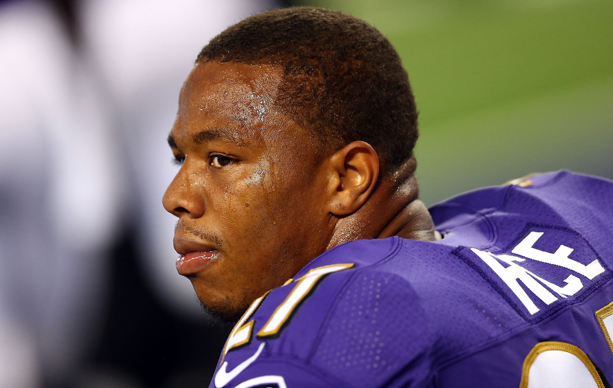 Report: Bills have talked about Ray Rice