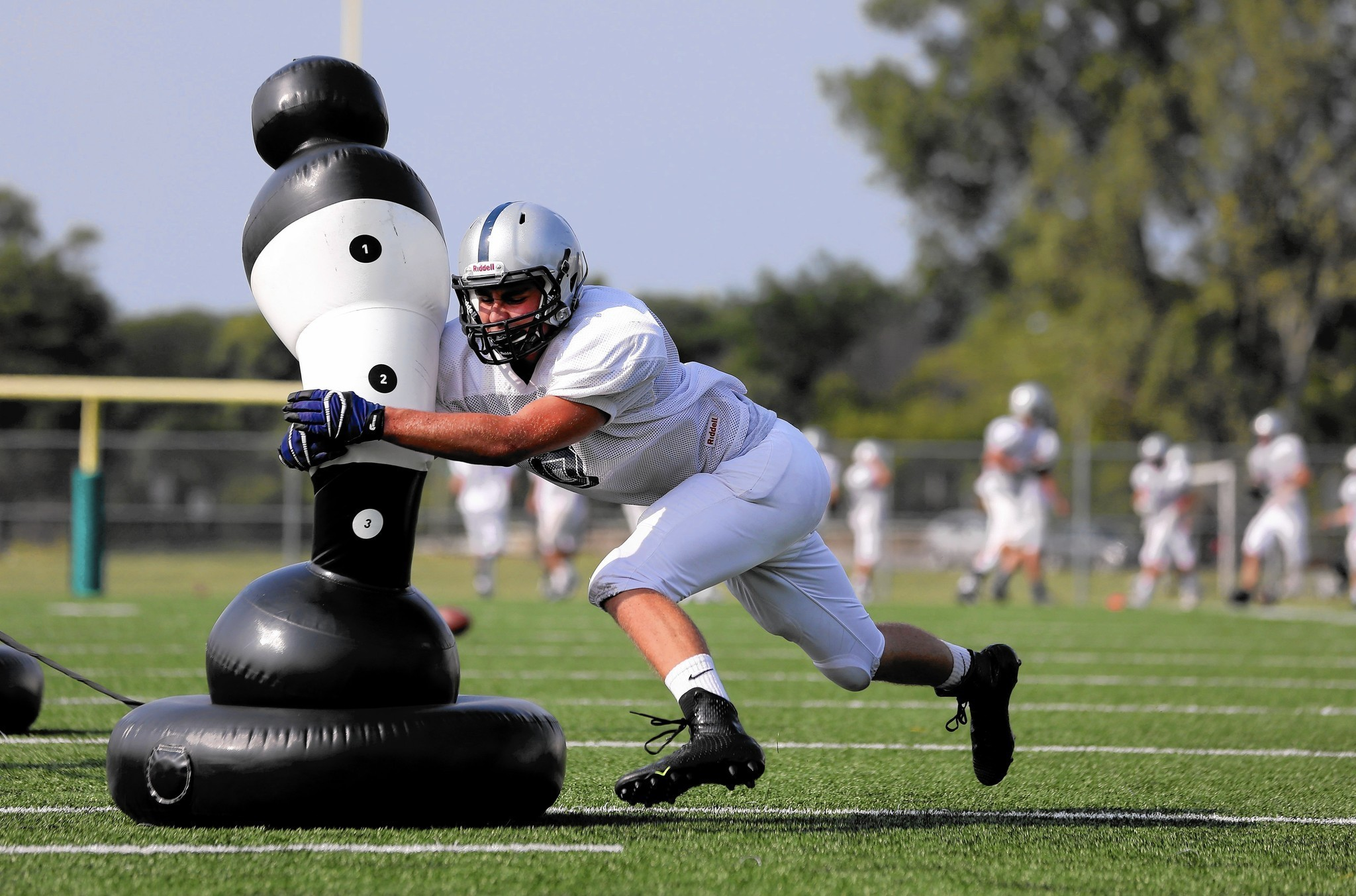New tackling methods aim to make football safer, but proof still lacking -  Chicago Tribune c1853645bd