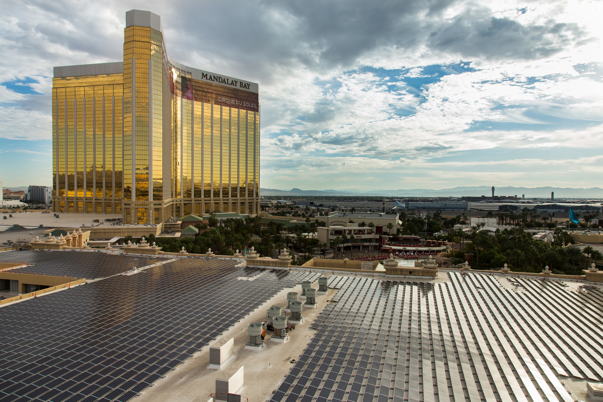 Mandalay Bay's convention center unveils 350,000-square ...