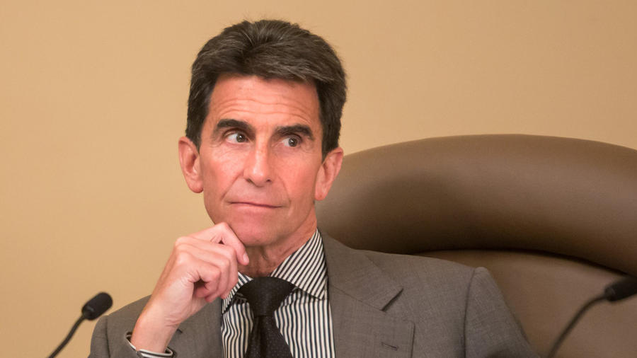 Sen. Mark Leno (D-San Francisco) at the state Capitol. (Marcus Yam / Los Angeles Times) ()