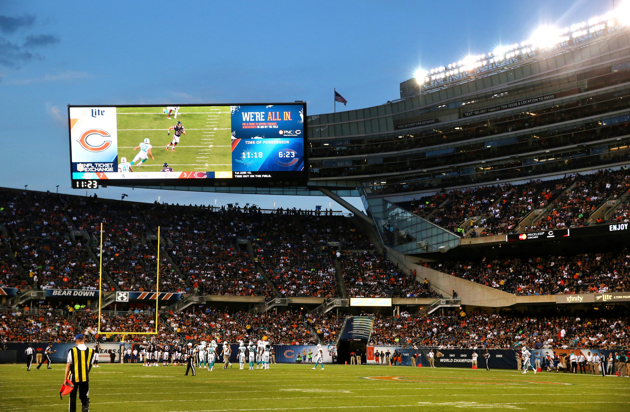 new video boards food options await bears fans at soldier. Black Bedroom Furniture Sets. Home Design Ideas
