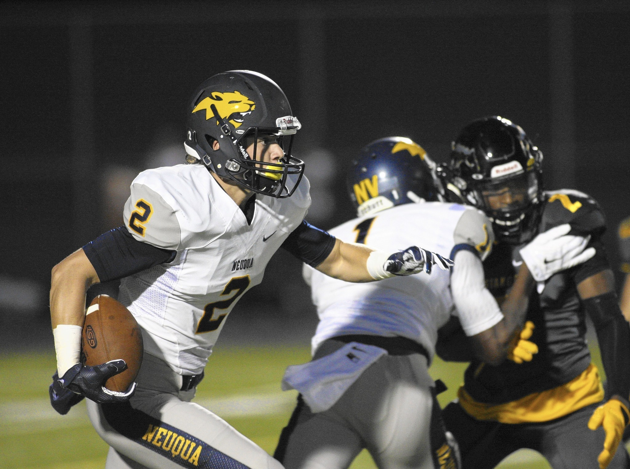 Football Notes Neuqua Valley S Owen Piche A True Wildcat