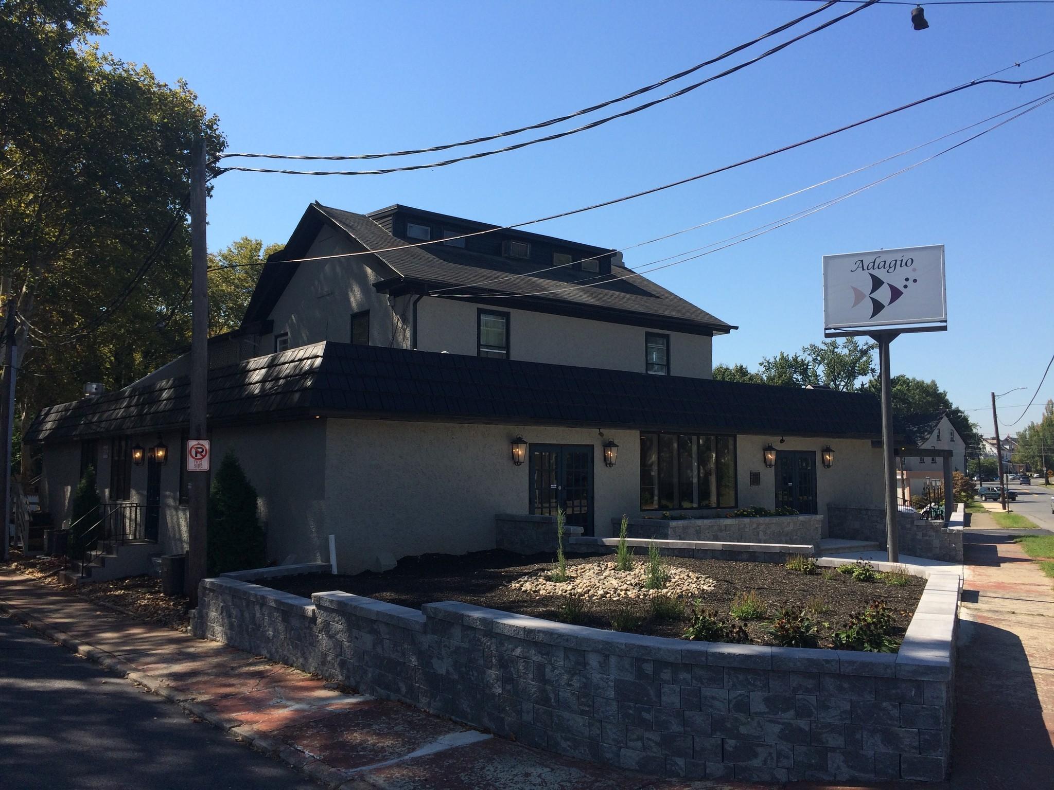 Seafood Restaurant Adagio Opens In Bethlehem S Longtime Lantern E The Morning Call
