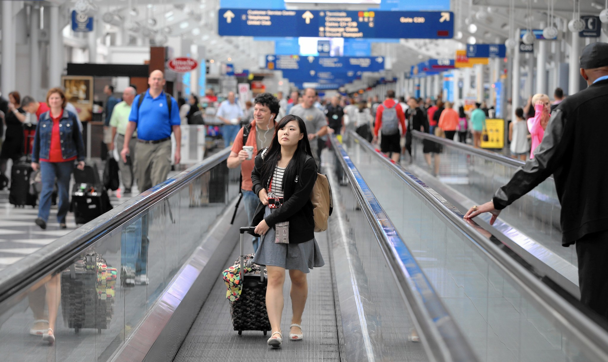 United Airlines Is Yanking Moving Walkways At O Hare