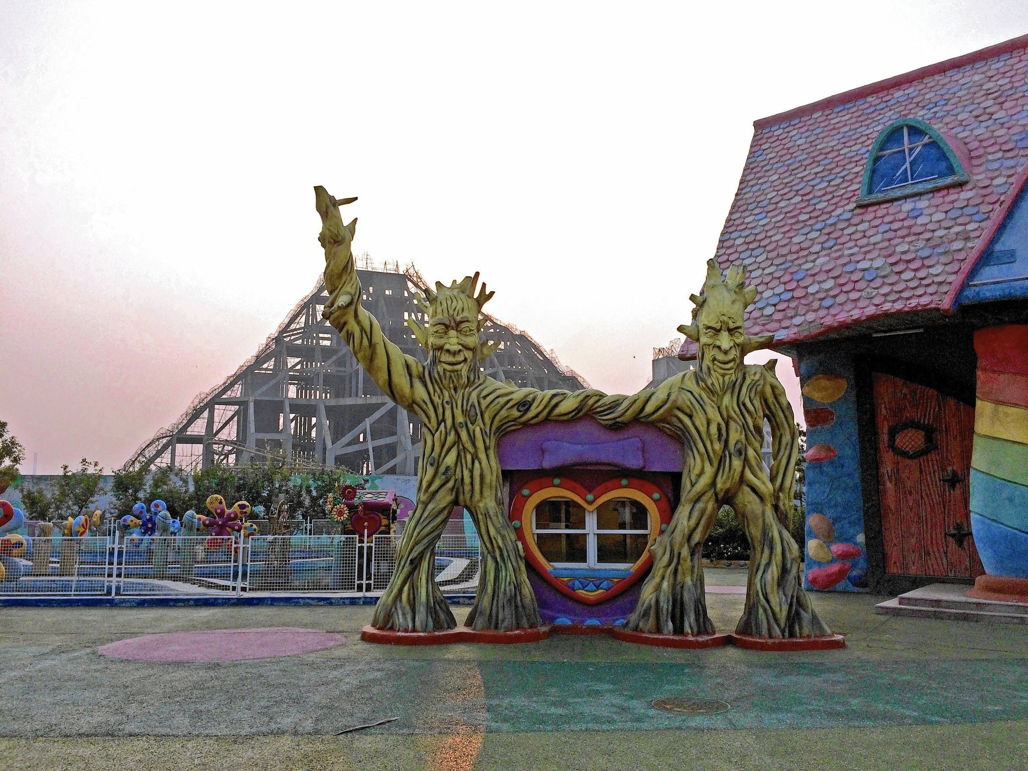 Theme Park Building Boom Hits The Skids In Smaller Chinese